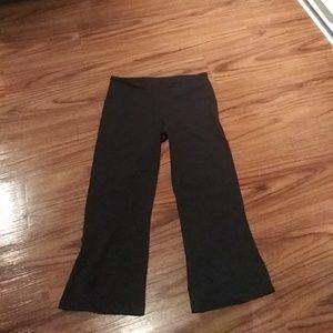 LULULEMON Black Capri Yoga Capris pants Sz 6